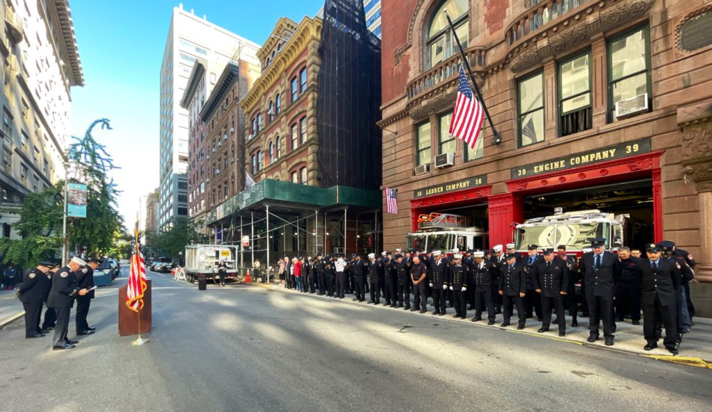 NYPD & FDNY remembers fallen heroes of 9/11 terror attacks/NYPD 19th Precinct