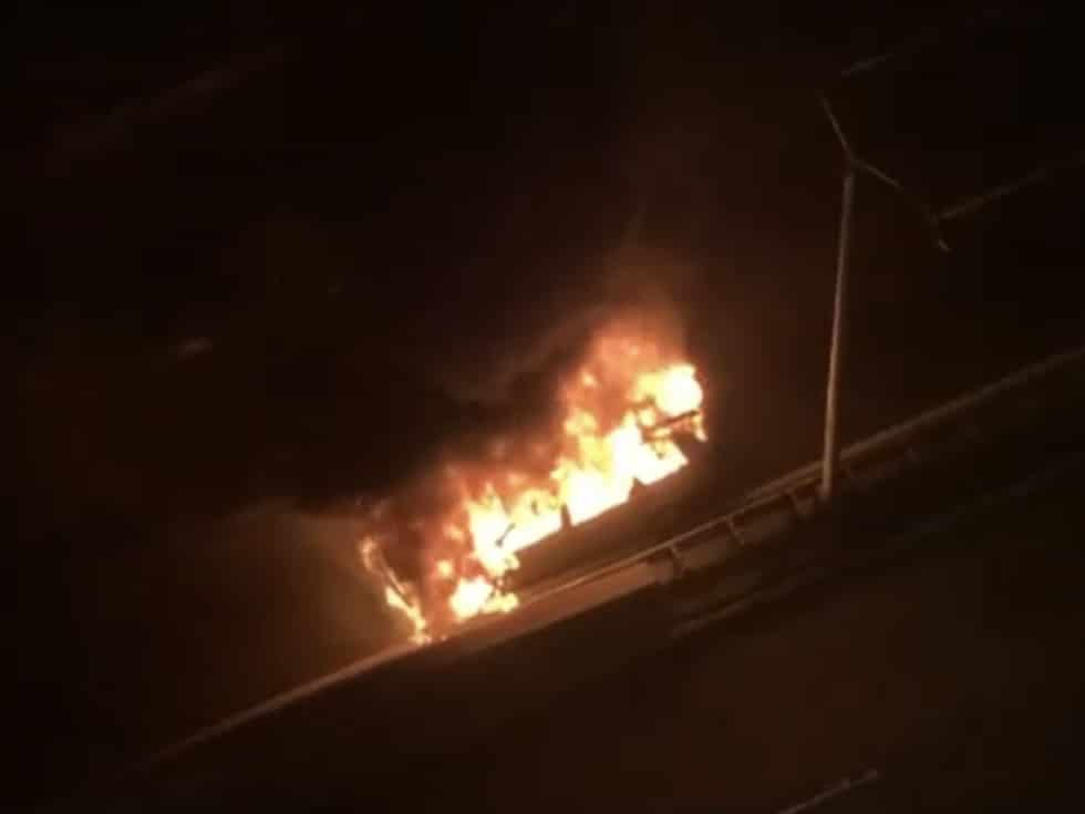 Minivan catches fire on the FDR Drive/Mary Forman