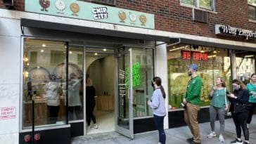 Line outside Chip City's new UES location stretches a block long/Upper East Site