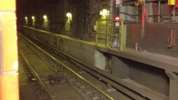 Teenage girl rescued while walking subway tracks to Queens/SpotNews.tv for Upper East Site